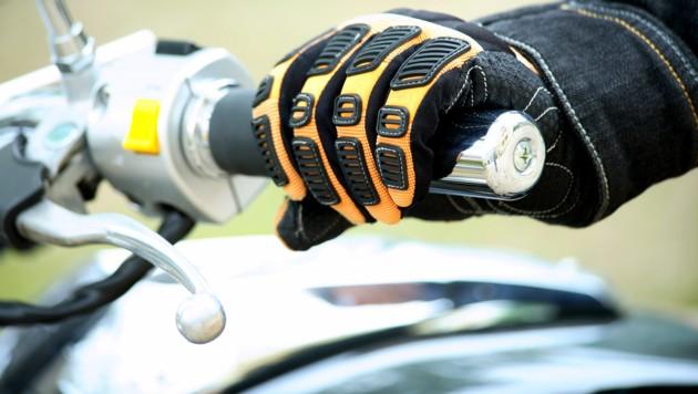 Einer Biker aus dem Flachgau hatte mit seiner lauten Maschine zu viel Gas gegeben (Symbolfoto). (Bild: stock.adobe.com)