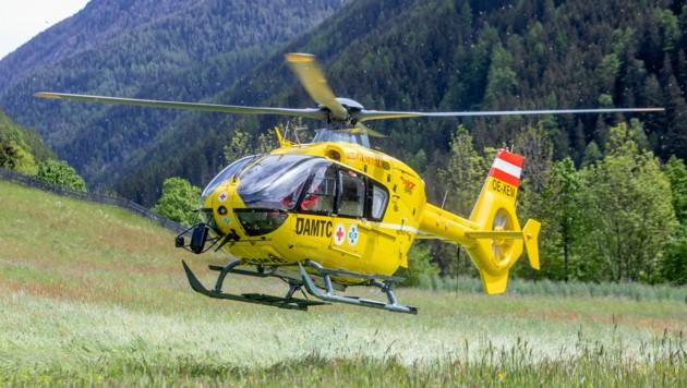 """Mit dem """"C7"""" wurde der Verletzte ins Krankenhaus geflogen."""