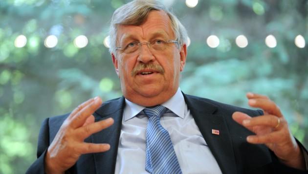 Walter Lübcke wurde in seinem Vorgarten durch einen Kopfschuss regelrecht hingerichtet. (Bild: AFP)