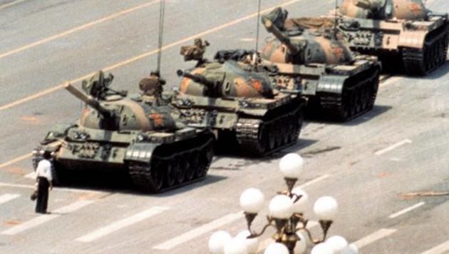Diese Bild vom Pekinger Platz des Himmlischen Friedens ging um die Welt. (Bild: twitter.com)