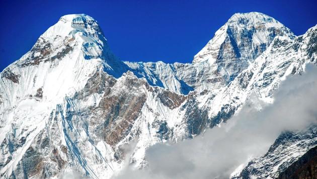 Der Hauptgipfel und der etwas niedriger Ostgipfel (Sunanda Devi) des Nanda Devi (Bild: Associated Press)