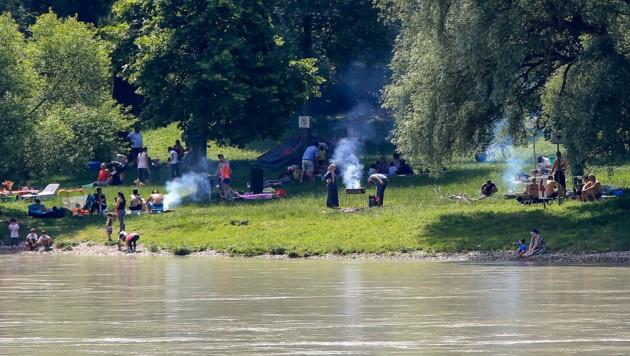 Öffentliche Grillplätze sind im Sommer oft gut besucht. (Bild: Pressefoto Scharinger © Daniel Scharinger)