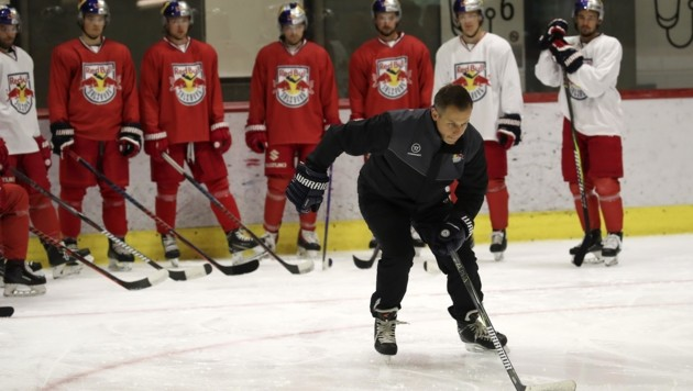 """""""Vor-Skater"""": Cheftrainer Matt McIlvane (Bild: Tröster Andreas)"""