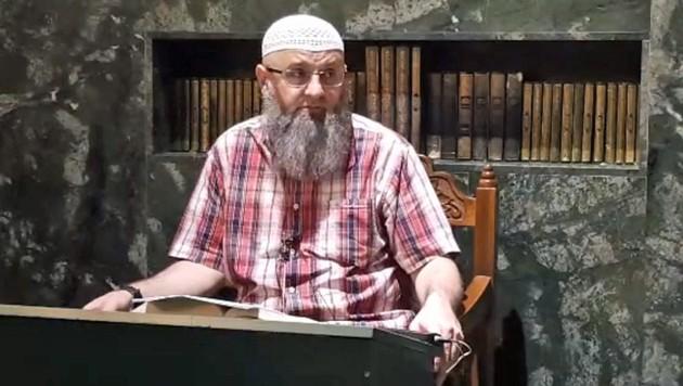 Safet Kuduzovic während einer Predigt (Bild: facebook.com)