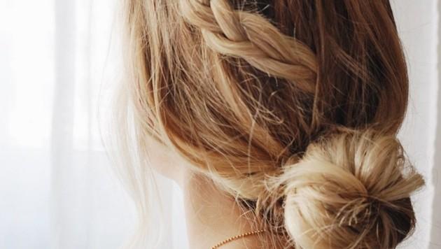 Die Haare leiden im Sommer. (Bild: DIE WIENER FRISEURE/Paulina Kotowska)