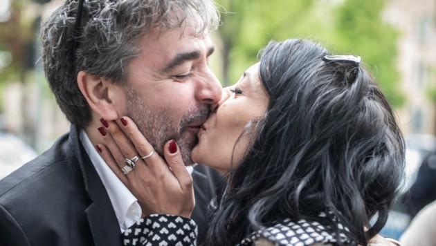 Deniz Yücel und seine Frau Dilek Mayatürk (Bild: APA/dpa/Michael Kappeler)
