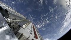 """SpaceX schießt seine Starlink-Satelliten stapelweise mit einer """"Falcon-9""""-Rakete in den Orbit. (Bild: SpaceX)"""