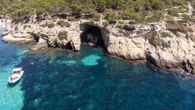 """Nicht nur das """"Love Island""""-Team hat mit Corona-Sorgen zu kämpfen - der Tourismus auf der spanischen Ferieninsel kam durch die Corona-Krise zum Erliegen. (Bild: stock.adobe.com (Symbolbild))"""