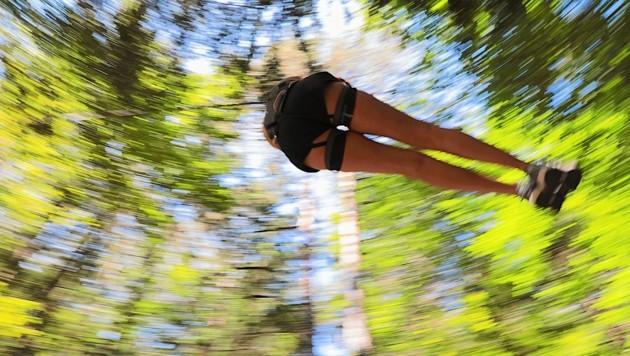 Seilrutschen zählen zu beliebten Attraktionen in Naturparks (Symbolbild). (Bild: Wallner Hannes/Kronenzeitung)