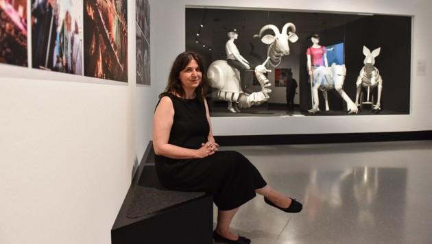 Dagmar Ulm in der neuen Ausstellung (Bild: Markus Wenzel)