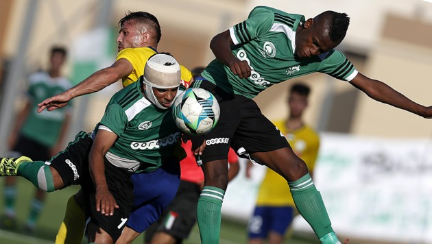 Ob es nach dem heißen Final-Hinspiel des Palästina Cups 2019 auch ein Rückspiel geben wird, ist derzeit ungewiss… (Bild: APA/AFP/SAID KHATIB)