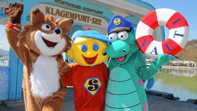 """""""Krone""""-Lesefuchs """"Theo"""" und """"Nauiti""""- hier mit ihrem Freund """"Smiley"""" - fahren mit den Kindern mit. (Bild: Uta Rojsek-Wiedergut)"""