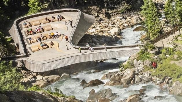 Neu eröffnet und nun noch spektakulärer: die Aussichtsplattform beim Grawa Wasserfall (Bild: Heinz Zak)