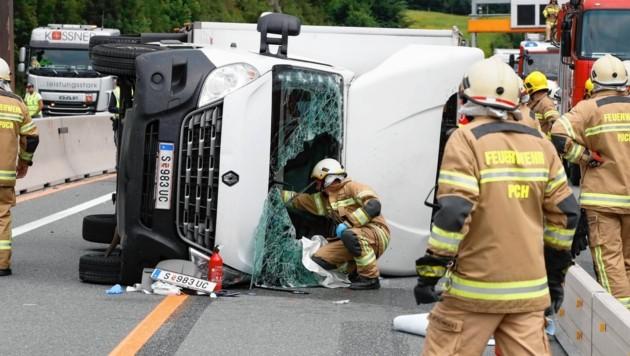 Der Verkehrsunfall im Baustellenbereich Puch sorgte für lange Staus. (Bild: Markus Tschepp)