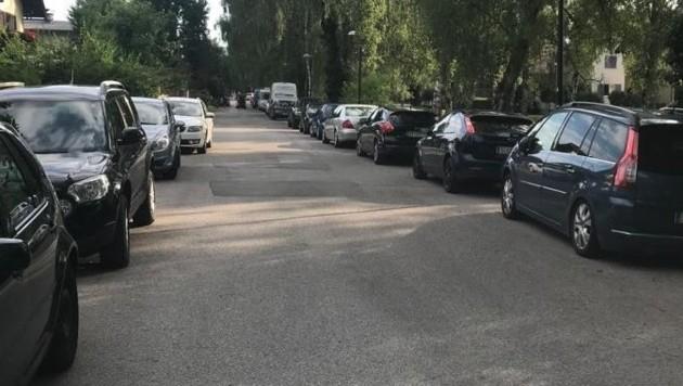 Die Pendler parken wie hier in der Linken Glanzeile Lehen und Liefering zu. (Bild: Wolfgang Fürweger)