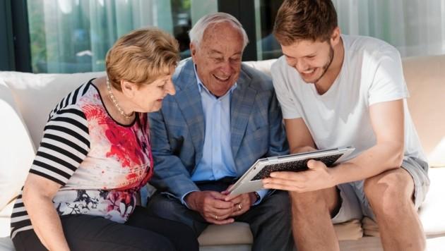 """Die Plattform """"Wohnbuddy"""" bringt durch gemeinsames Wohnen junge und alte Menschen miteinander zusammen. (Bild: wohnbuddy/WGe-Gemeinsam Wohnen)"""