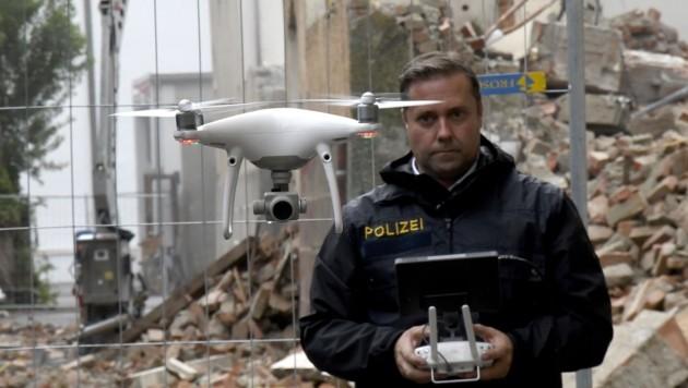 Ralf Lorbeg ist mit den neuen Polizei-Drohnen bestens vertraut. (Bild: Andreas Fischer)