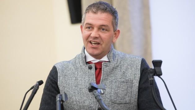 Gerd Brand ist stinksauer auf die örtliche ÖVP und FPÖ. (Bild: Neumayr/MMV)