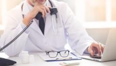 Nachwuchs ist bei den Ärzten dringend gesucht (Bild: VadimGuzhva/stock.adobe.com)