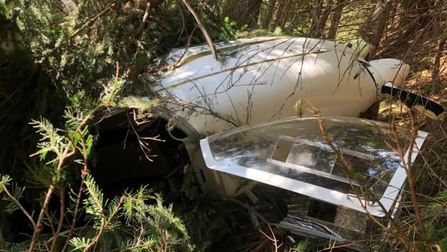Das abgestürzte Flugzeug. (Bild: FF Mittersill)