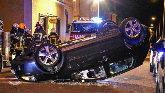 Weil sie in der Turnerstraße in Gnigl angeblich einer Katze auswich, verursachte eine alkoholisierte Lenkerin einen schweren Unfall. (Bild: Markus Tschepp)