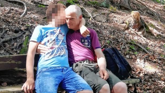 ReinhardB. mit seinem Sohn (Bild: zVg)
