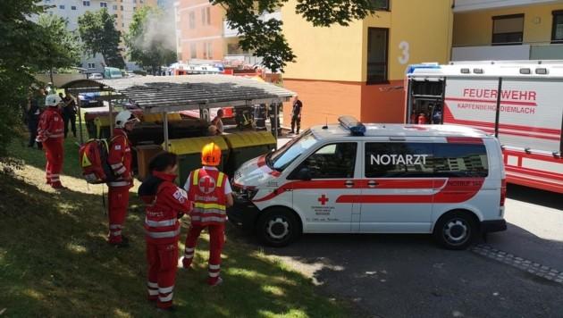 In diesem Mehrparteienhaus in Kapfenberg kam es am Samstag zu einem Brand! (Bild: Rotes Kreuz Bruck-Mürzzuschlag, D. Fladl)