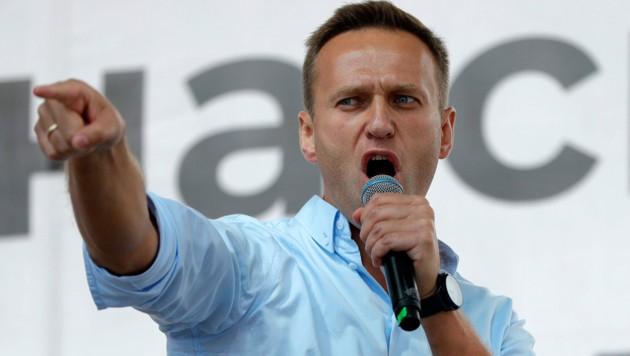 Der mutmaßlich vergiftete Alexej Nawalny wurde am Mittwoch aus der stationären Behandlung in Berlin entlassen. (Bild: AP)