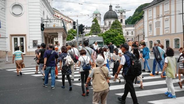 Touristenansturm auf Salzburg. (Bild: MARKUS TSCHEPP)