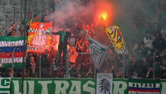Die Rapid-Fans machten nicht nur im Stadion auf sich aufmerksam. (Bild: Christof Birbaumer)