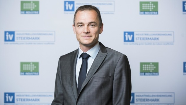 IV-Geschäftsführer Gernot Pagger präsentierte Umfrage (Bild: IV-Steiermark/ Marija-M. Kanizaj)