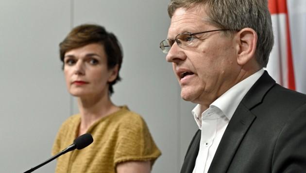 Parteichefin Rendi-Wagner, Wahlkampfmanager Deutsch (Bild: APA/HANS PUNZ)