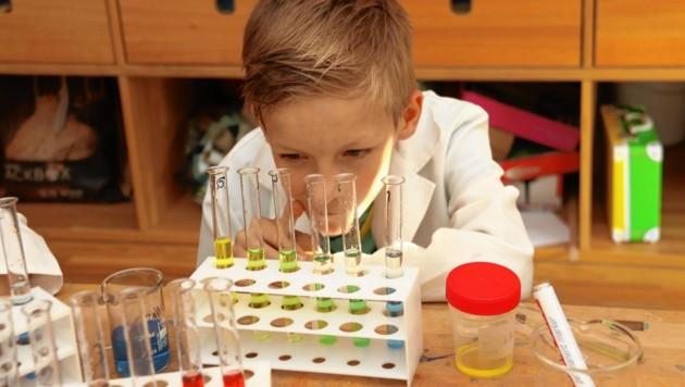 Kleine Talente groß im Bild: Eine Woche lang wurden sie in der Volksschule Algersdorf gecoacht. (Bild: Christian Jauschowetz)