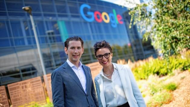 Kurz mit Google-Österreich-Chefin Christine Antlanger vor der Konzernzentrale des Internetgiganten (Bild: Neue Volkspartei/Jakob Glaser)