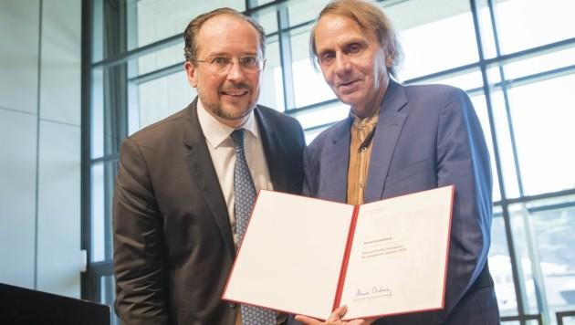 Kulturminister Alexander Schallenberg und Michel Houellebecq (Bild: NEUMAYR)