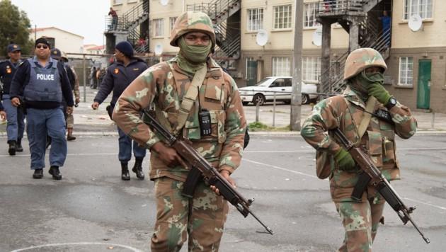 Patrouille in Kapstadts Township Manenberg (Bild: AFP)