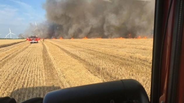 Die Freiwillige Feuerwehr Midlum konnte den Brand bald löschen. (Bild: facebook.com/FFMidlum)
