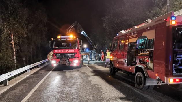 Gleich mehrere Feuerwehren standen im Einsatz. (Bild: Brunner Images)