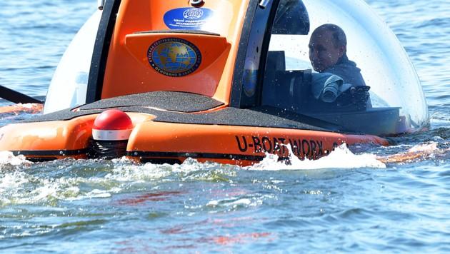"""""""Abenteurer"""" Putin tauchte zum Grund der Ostsee ab"""