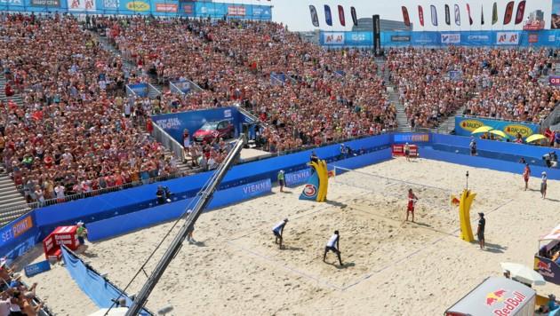 Das Turnier auf der Wiener Donauinsel gilt als das Mekka der Beachvolleyballer. (Bild: GERHARD GRADWOHL/Kronenzeitung)