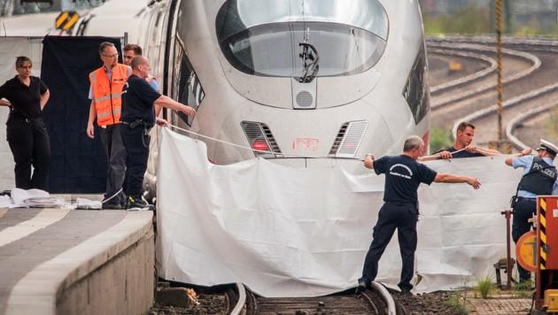 Die Tragödie in Frankfurt hat Deutschland erschüttert. (Bild: APA/dpa/Andreas Arnold)