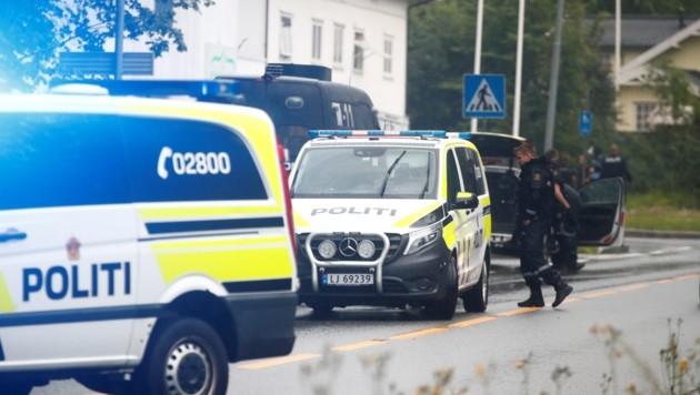 In einem Vorort von Oslo hat ein schwer bewaffneter Mann eine Moschee angegriffen und einen Gläubigen verletzt. (Bild: AFP)
