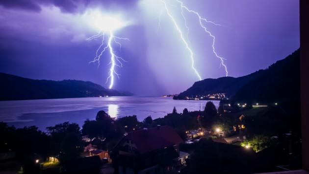 """Dieses eindrucksvolle Bild von einem Gewitter im vergangenen Jahr hat """"Krone""""-Leserreporter Jonas E. geschossen."""