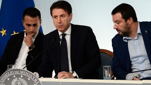 Luigi Di Maio, Giuseppe Conte und Matteo Salvini (v.l.) (Bild: AFP)