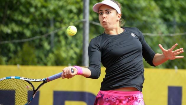Julia Grabher startete mit einem glatten 2-Satz-Sieg in die Wimbledon-Qualifikation. (Bild: GEPA)