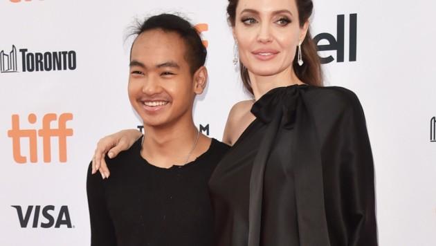 Angelina Jolie mit Sohn Maddox (Bild: 2017 Getty Images)
