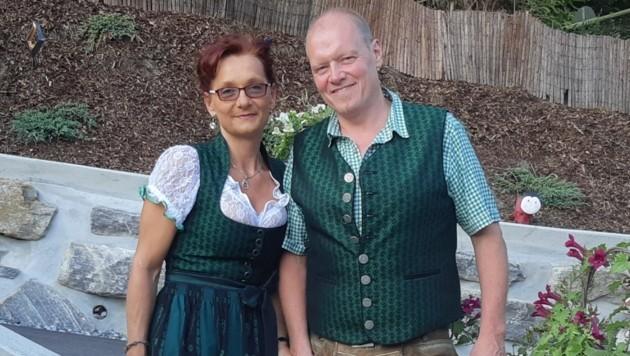 Monika Klug mit ihrem Lebensgefährten (Bild: zVg)