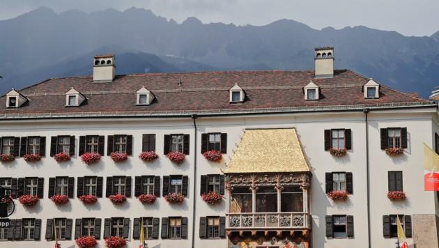 """Auch das Lokal """"Goldenes Dachl"""" in der Altstadt ist betroffen. (Bild: Christof Birbaumer / Kronenzeitung)"""