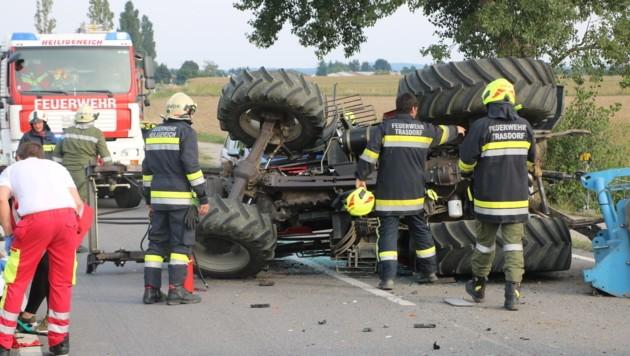 Der Traktorfahrer wurde schwer verletzt (Symbolbild) (Bild: BFK Tulln/ St. Öllerer)