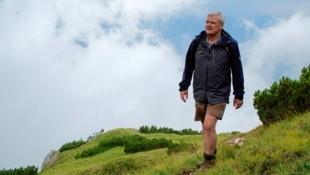 Landesjägermeister Walter Brunner im Aufstieg zum Soleck, einem Grenzberg zwischen Kärnten und Osttirol (Bild: Wallner Hannes/Kronenzeitung)